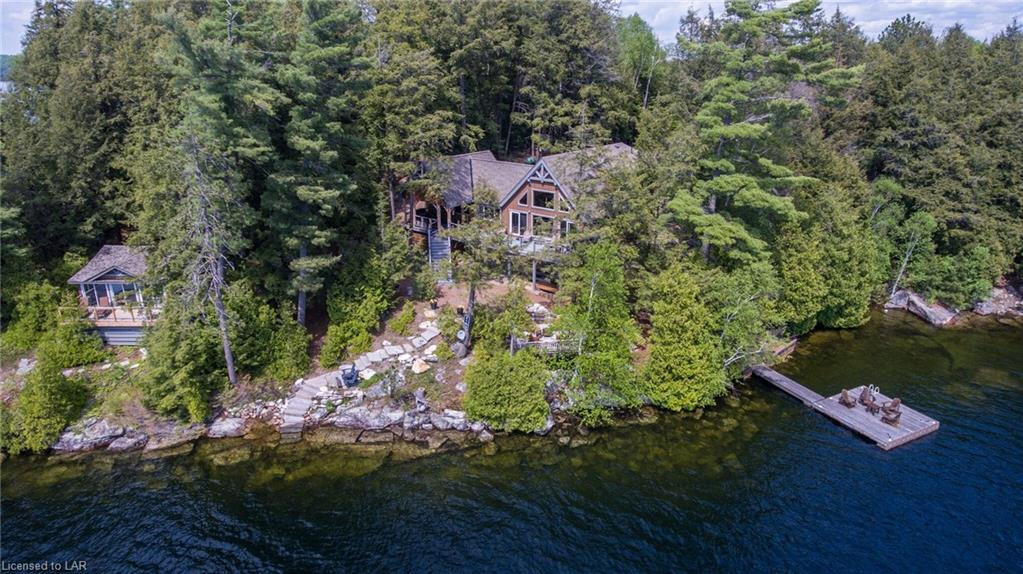 1075 elmhurst lane, Haliburton Ontario Canada Located on Kennisis Lake